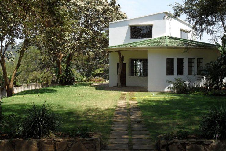 A Decent House 4 Sale