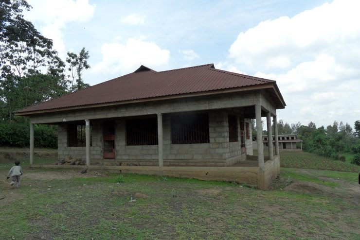 Houses Foa sale Sakina