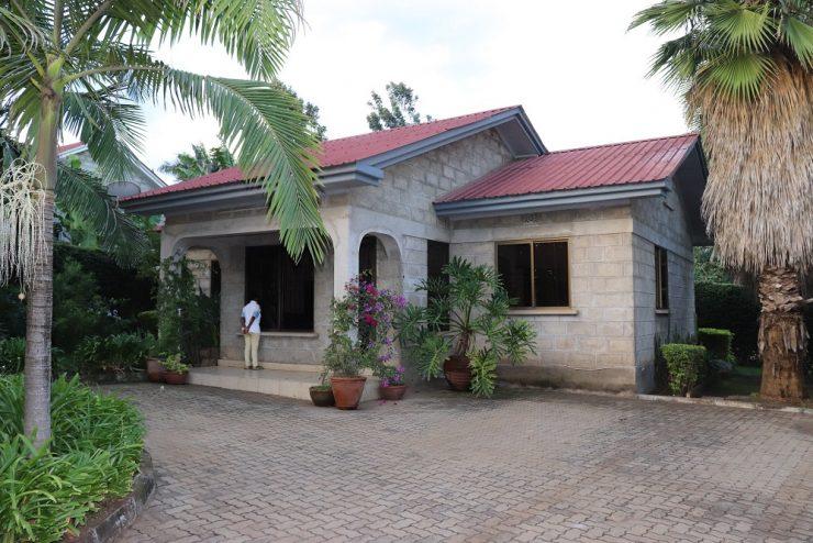 2Bedroom Cottages Moshono